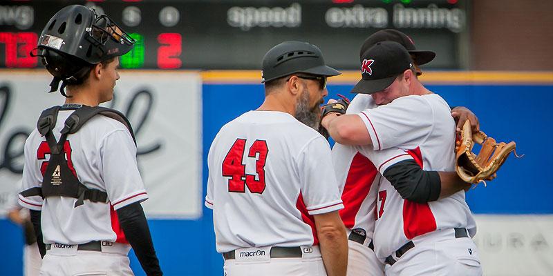 Kinheim-pitcher David Bergman kreeg in de zesde inning een publiekswissel.
