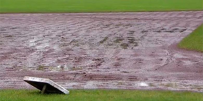 Regen in het Sportpark Ookmeer in Amsterdam.