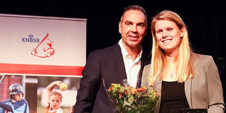 Dinet Oosting mocht twee prijzen in ontvangst nemen.