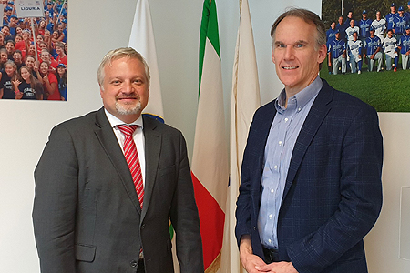 Bondsvoorzitter Andrea Marcon kreeg bezoek van Jim Small.