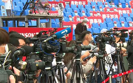 Geen publiek, maar wel veel pers bij de start van het seizoen in de CPBL.