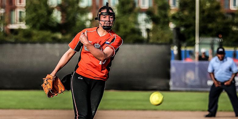 Eva Voortman gooide voor Neptunus als pitcher 32 1/2 inning.